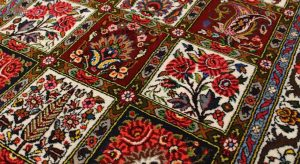 The difference between machine made and hand-woven carpets