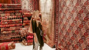 What are Persian carpets which are machine made?